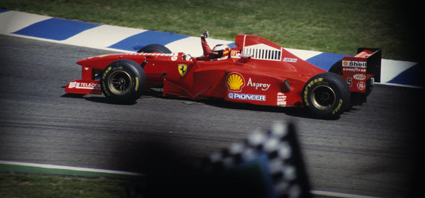 Michael Schumacher im Ferrari (1997): Foto: Cord Rodefeld, Lizenz: CC-BY-SA-2.0