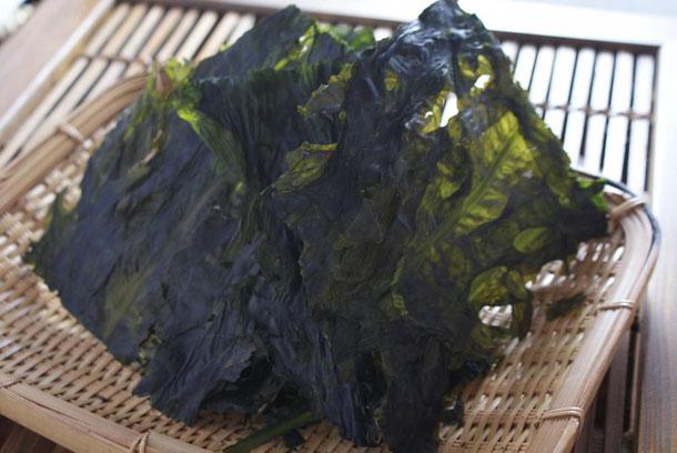 天たつでは4月の旬海藻_養殖ワカメ_を使った板わかめの販売を数量限定で開始いたしました。