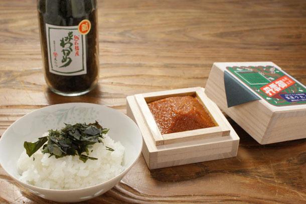 日本三大珍味の一つ「越前仕立て汐うに」と福井に昔からあるふりかけわかめ「もみわかめ」の詰め合わせです。常温での持ち歩きも可能で天たつのギフトの中で大変人気を頂いている一品です。