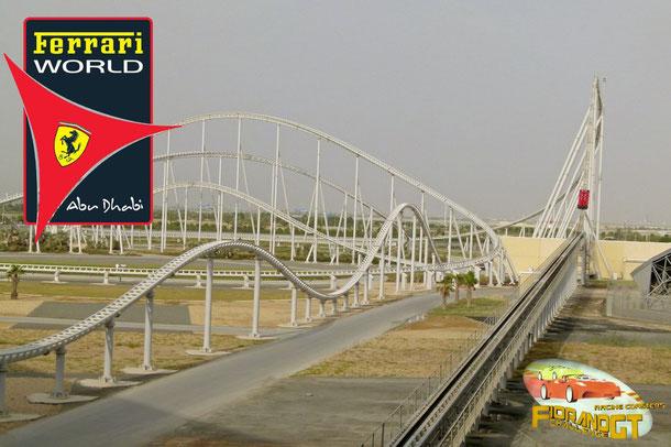 Achterbahn im Freizeitpark Ferrari World in Abu Dhabi