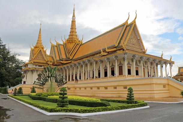 Teilansicht des Königspalastes von Phnom Penh, hier die 100 m lange Thronhalle (1913 - 1917)