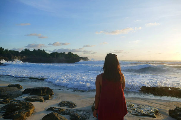 Sunset Beach, Sandy Bay in Nusa Lembongan, Bali