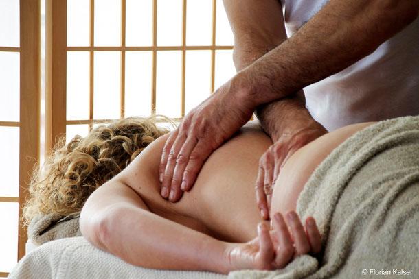 Klassische Massage, Dehnung, Ganz- und Teilkörpermassage
