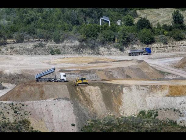 Im Steinbruch soll mineralischer Abfall verfüllt werden. 15 Jahre später wäre die Renaturierung des Gebietes möglich. Foto: Harald Kaster