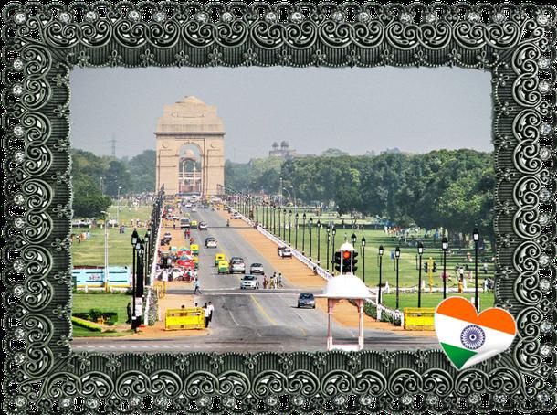 India Gate - Der 42 m hohe Triumphbogen steht am östl. Ende vom Rajpath. Er beinhaltet die Namen von 85.000 Soldaten der indischen Armee aus dem 1. Weltkrieg. Er wurde von Sir Edwin Lutyens entworfen, die Grundsteinlegung erfolgte 1921.
