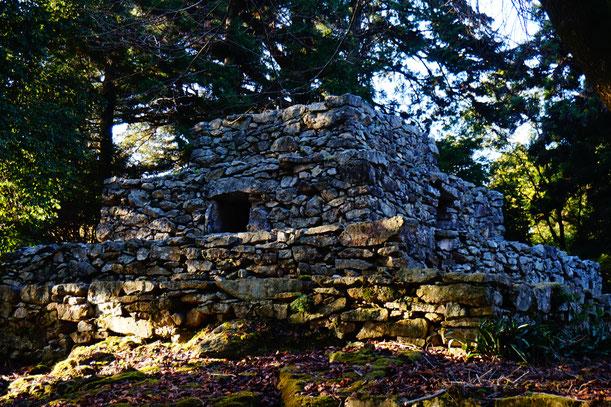 本当に不思議な遺跡です。石がパズルのようにきちんと積み重なっています。