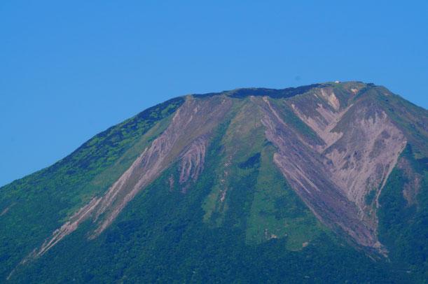 お天気に恵まれ、帰りに高速道路から大山もくっきり見えました。また来年も楽しみです。