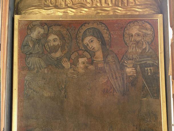 Quadro: la Madonna con Gesù, a sinistra San Cristoforo Martire, e a destra Sant'Antonio. Si trova nell'abside dell'altare maggiore