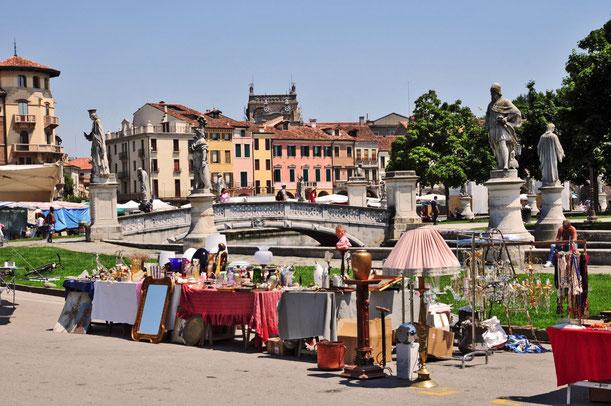 Mercato del sabato, a Padova - Prato della Valle