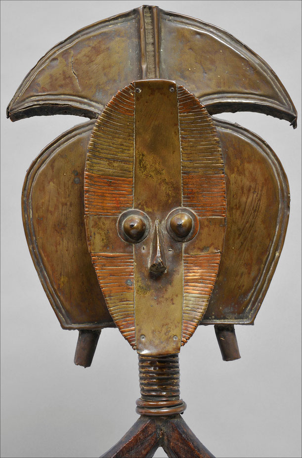 Kota reliquary, Gabon • Wood, copper & iron • Private collection