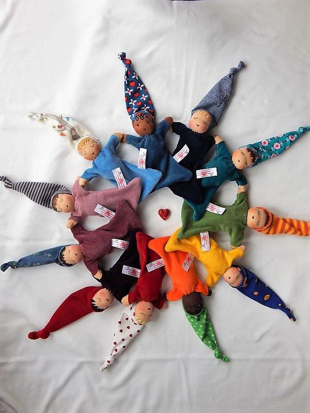 Puppennähwochenende, Puppennähkurs, Puppenkurs, Waldorfart, handgemachte Stoffpuppe, Wunschpuppe, innere Kind Puppe, Nuckelpüppchen, Puppe selber nähen, Puppenmacherei, individuelle Puppe, Herzensmensch, Naturmaterial