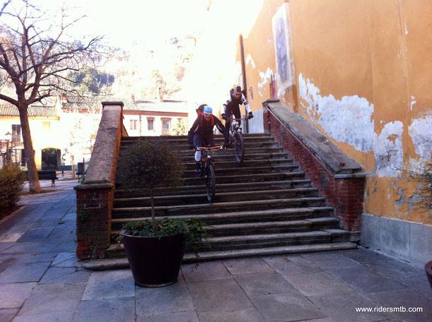 dalla Piazza San Vito di Piossasco inizia il percorso breve ma intenso