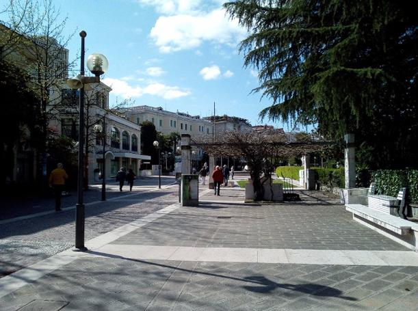 Viale delle Terme, parte pedonale