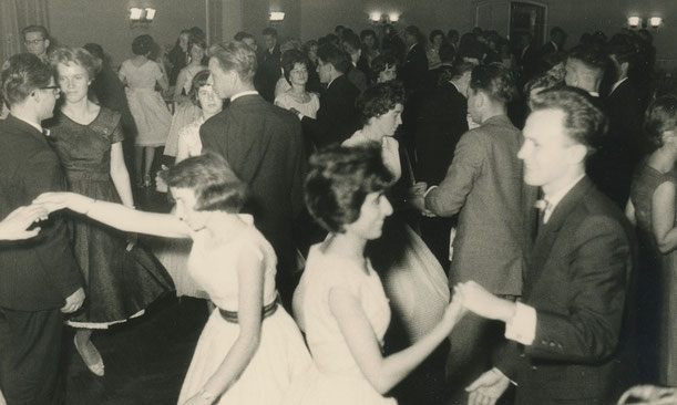 Schlussball bei der Tanzschule Estinghausen