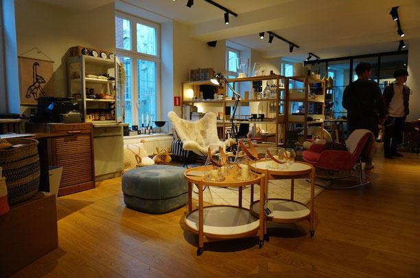 オシャレカフェの2階は可愛い雑貨屋さん!