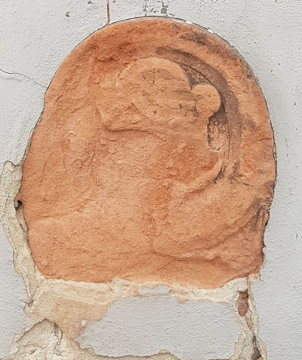 Der Wappenstein im August 2019