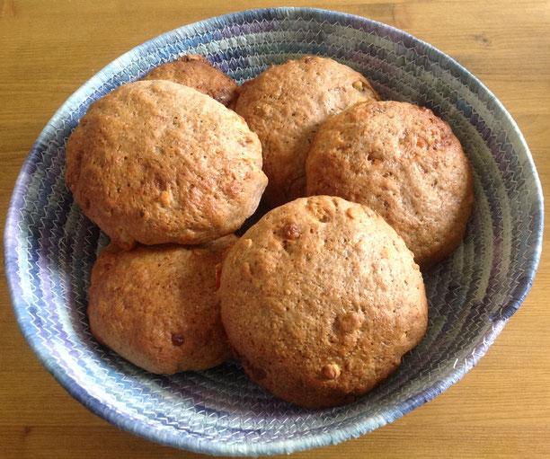 Volkorenbroodjes met walnoot, gorgonzola en parmaham.