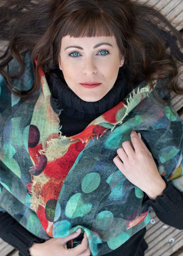 Fo´s Mode Kleid ausgestellt mit Printmuster aus Viskose