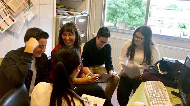 Pilar Esteve con sus alumnos