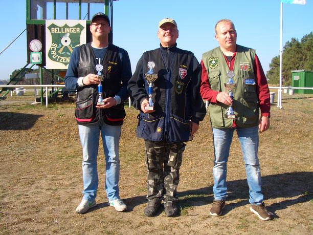 Pokalgewinner der VM Trap 2018 von links: Tino Fröhlich 3.Platz, Andreas Pietz 1.Platz und Michael Lehmann 2.Platz