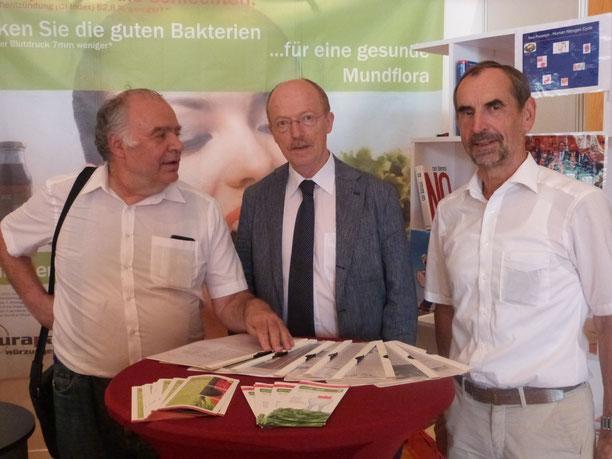 Die Entdecker des neuen Wirkungsprinzips. Aurapa auf Sommerakademie 2018.     (von links nach rechts: Dr. H. Pöhnl, Prof. U. Schlagenhauf und Prof. Dr. R. Carle)