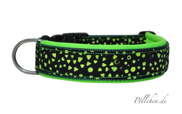 Halsband auf Maß mit grünen Punkten und weicher Neoprenpolsterung