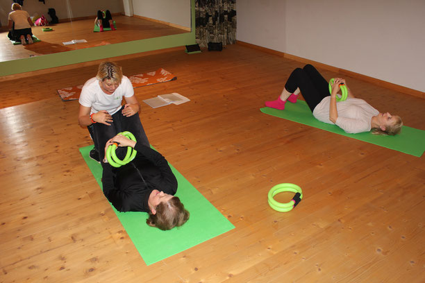 Back and pelvic floor training