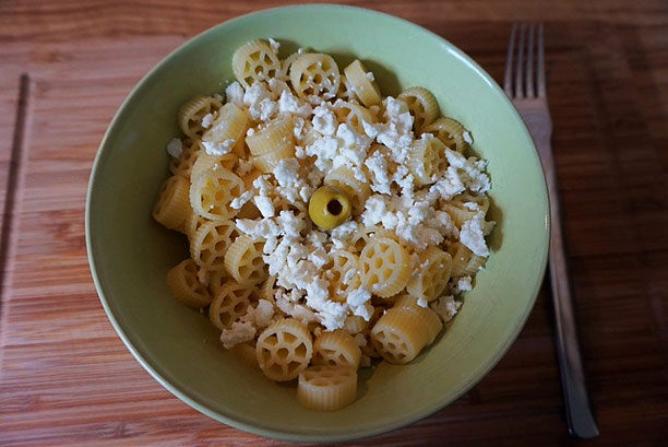 Meine Lieblingsnudeln Pasta mit Feta und Olivenoel