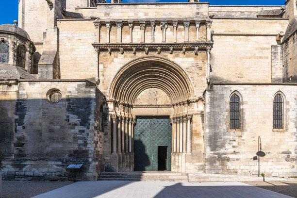 Bild: Südportal der Collégiale royale Ste.-Marthe in Tarascon
