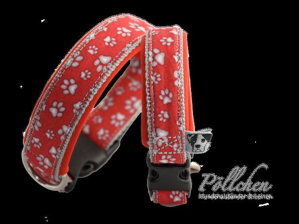 handgefertigtes rotes Halsband mit Pfötchenprint für große und kleine Hunde auf Maß mit Neopren