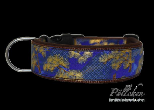 Nylonhalsband im asiatischen Stil mit goldschimmernden Bonsaibäumen