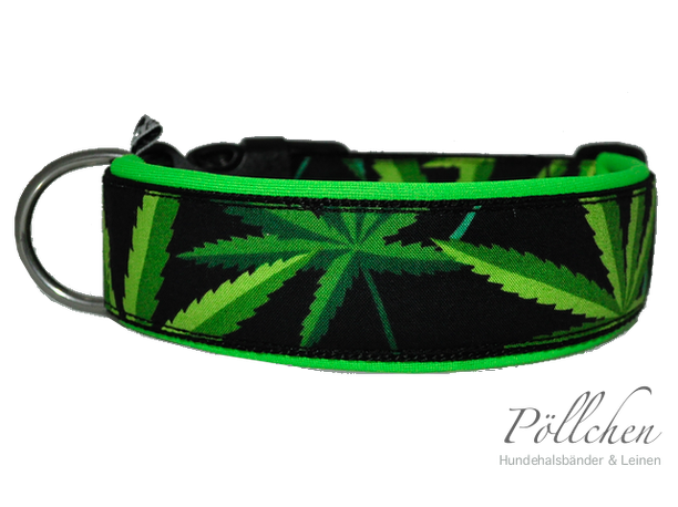 Hundehalsband mit Hanfblättern Cannabis in leuchtenden Grüntönen
