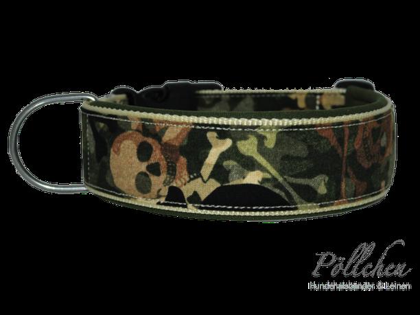 Halsband camouflage mit Totenköpfen