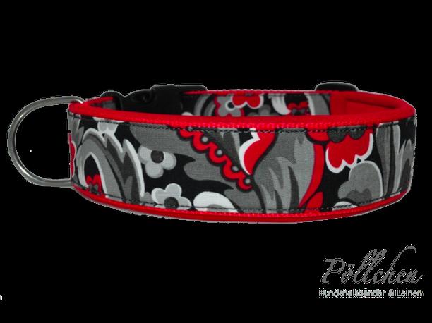 Halsband mit Neoprenunterfütterung mit roten Highlights auf Maß angefertigt