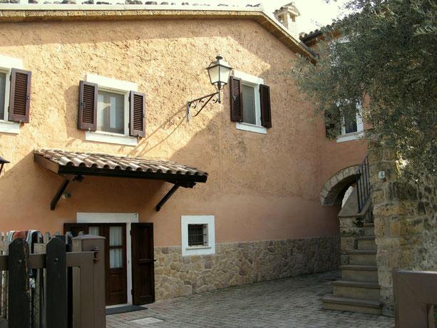 Tocco da Casauria (PE), contrada pareti, monolocale vacanze, affitto breve