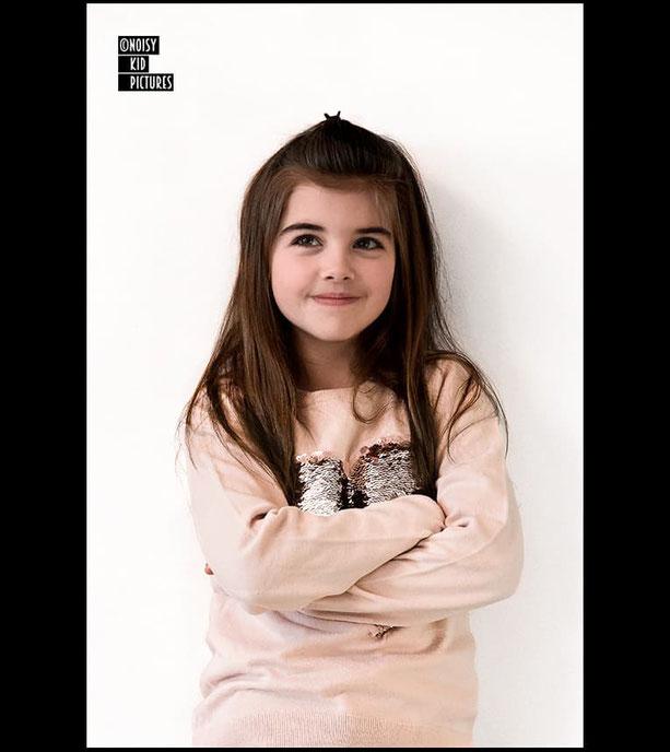 Votre professionnel et bon photographe de beaux portraits des entreprises de la Belgique avec sa mode et ses enfants de Bruxelles