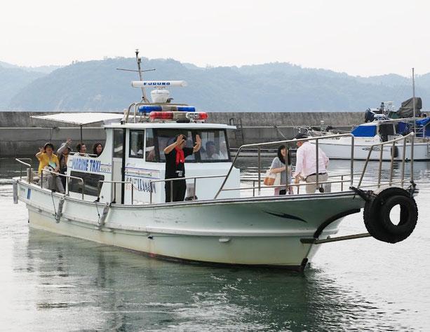 海上タクシーで笠岡の住吉港に向けて出発されました。
