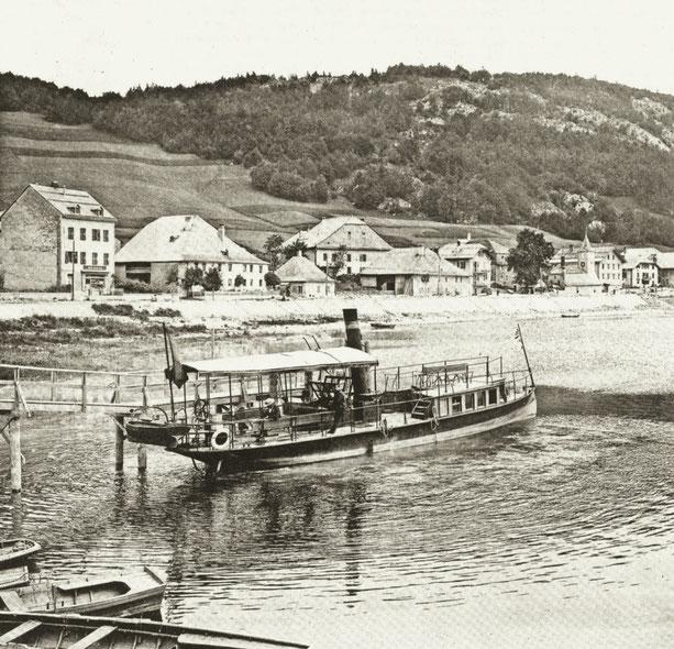 Le Caprice, cliché du photographe Fred Boissonnas (1858 - 1946). Le Grand Bazar à gauche, la fromagerie, petit bâtiment du centre, avec la ferme de Zélie Rochat mère de Henri à sa droite