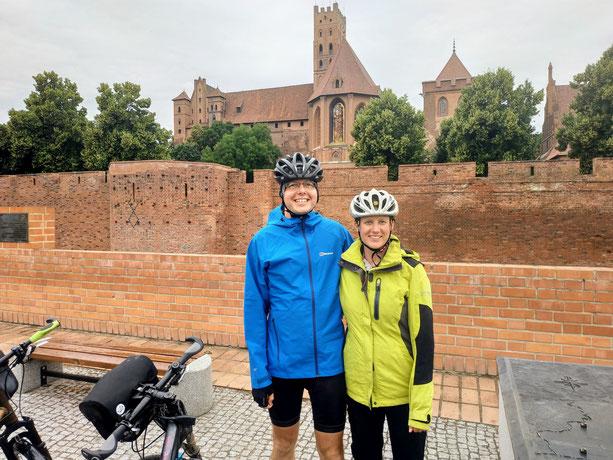 Es kann auch mal regnen oder kälter sein... wie hier bei der Marienburg in Polen