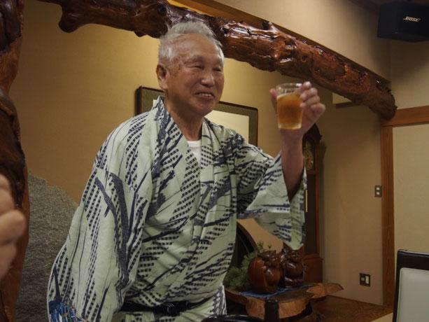 乾杯の音頭は青森から参加された肴倉(さかなぐら)会員
