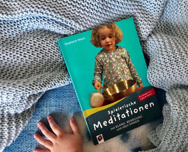 Buch-Tipp: Spielerische Meditation mit Kindern