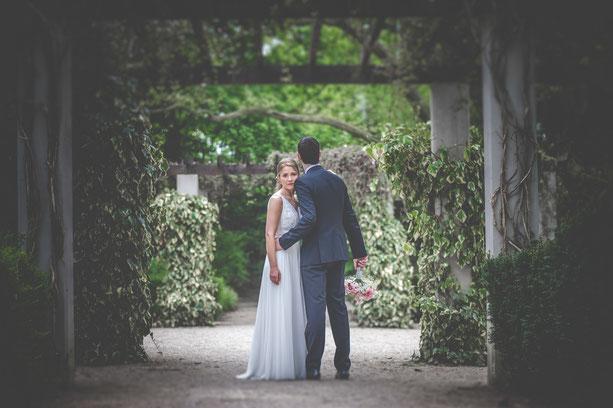 ein Brautpaar welches heiratet  in Mülheim an der Ruhr