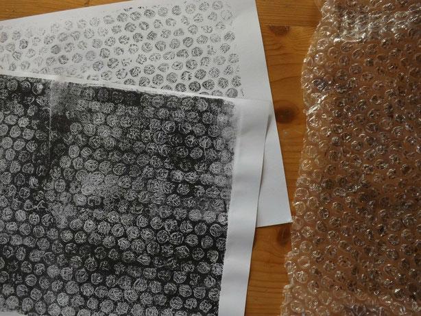 Der Klassiker beim Gelli-Drucken: Noppenfolie