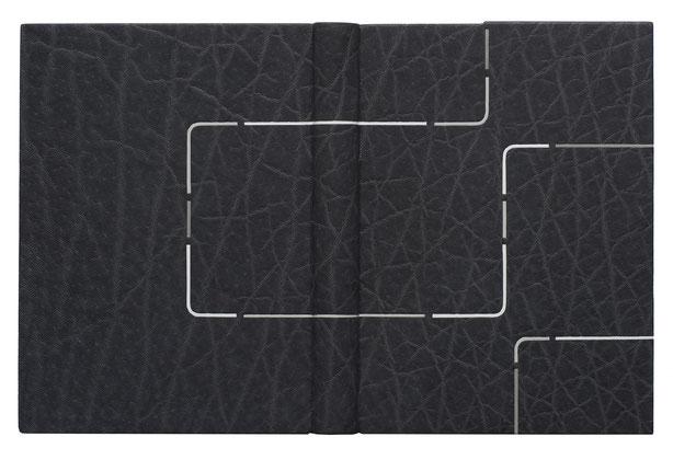 Henri Michaux - Moments - Reliure passé-carton, plein cuir anthracite parcouru de fines lignes interrompues de box blanc et gris clair. Titre sur chant épaissi en tête + étui - 2009