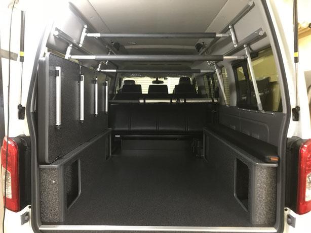 NV350ハイルーフにベッドとボードラックを取り付けました