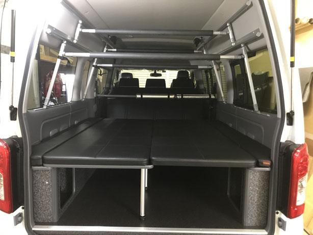 NV350特装車でベッド+ボードラック