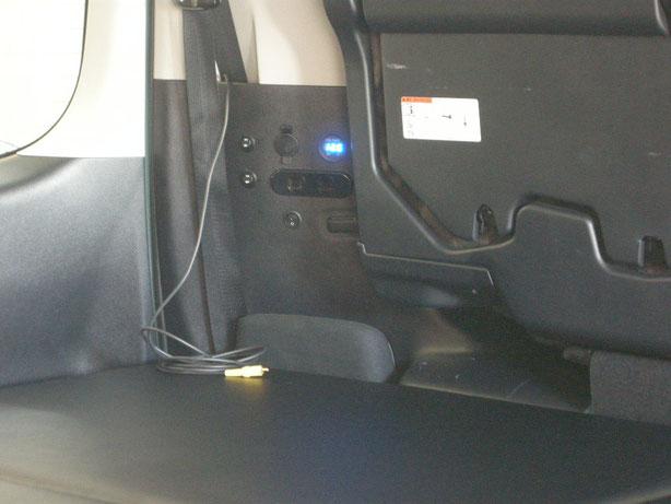 VOXYやNOAHにサブバッテリー、走行充電を取り付けました。