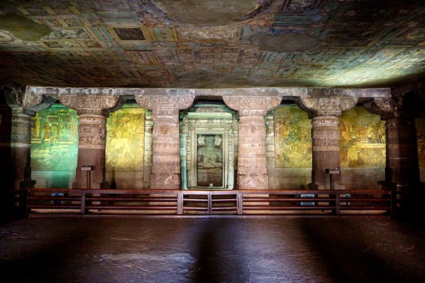 interior_view_ajanta_cave_1