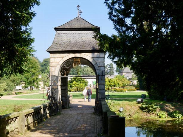 Barock Brücke Sehenswürdigkeite Schloss Dyck am Niederrhein bei Jüchen