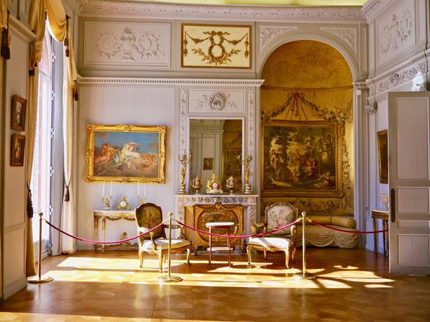 Frankreich, Villa Rothschild: Kostbare Bilder und elegante Möbel prägen den Stil des Hauses